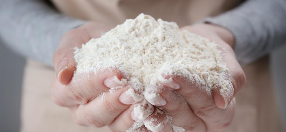 powder in hands